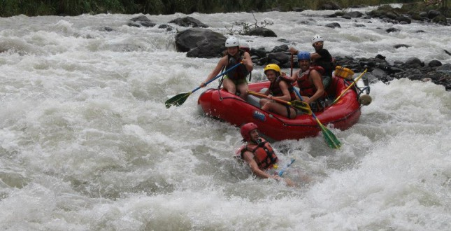 Exciting rafting on the Pacuare river
