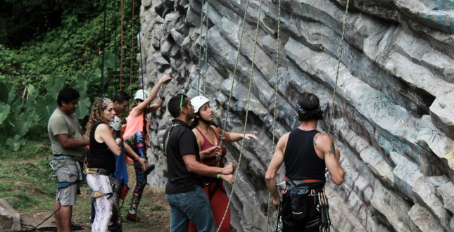 Group rock climbing in Boquete
