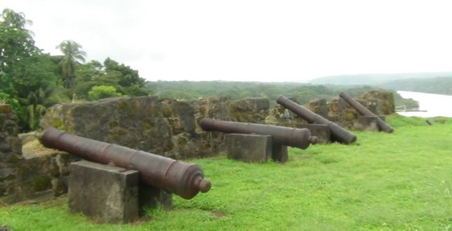 Canons in the San Lorenzo Ruins