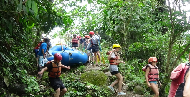 Camp and raft the Pacuare