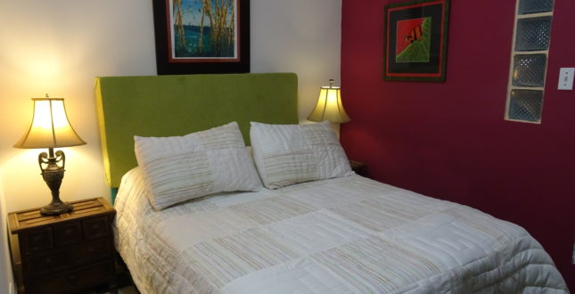 Double bed in Hostel La Posada in Panama City