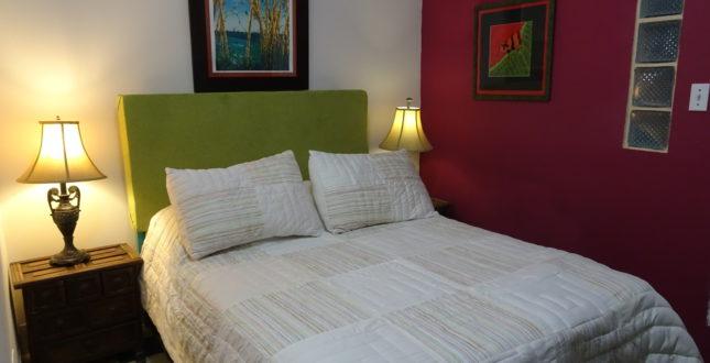 Double bed in Hostel La Posada in Panama City