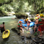 River rafting along the bank of the Pejivalle River