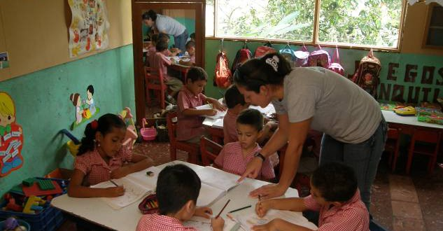 Free Volunteer work in Local Schools - Turrialba