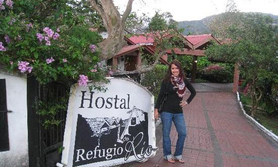 Entrance Hostel Refugio del Rio